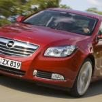Al lancio la nuova media Opel che ha vinto il titolo di Auto dell'Anno 2009