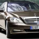 Mercedes Classe S restyling: l'ammiraglia tedesca fa un nuovo pieno di tecnologia. Ora è anche ibrida.
