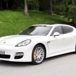 L'auto più *cool* del 2010 è la Porsche Panamera, parola di Playboy