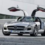 Ali di gabbiano ed elettricità per la Mercedes SLS AMG E-Cell