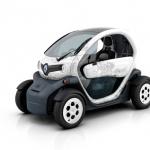 Renault a Parigi con l'elettrica Twizy, l'auto scooter!