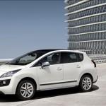 Peugeot cambia l'ibrido, arriva la nuova 3008