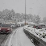 Troppa neve, meglio non usare l'auto