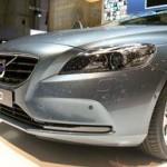 Volvo V40, ecco l'airbag per i pedoni