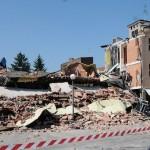 Terremoto in Emilia, i carburanti aumentano di 2 centesimi