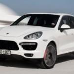 Porsche lancia Cayenne Turbo S e festeggia